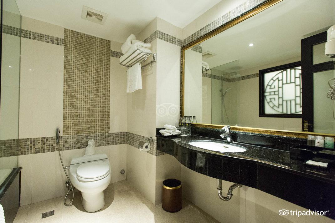 family-room--v17857607.jpg