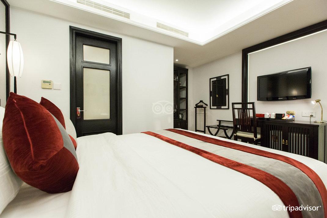 deluxe-double-room--v17857566.jpg