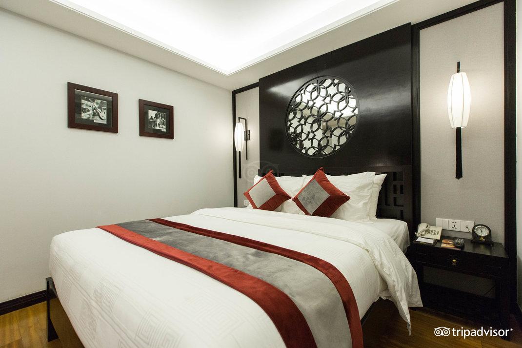 deluxe-double-room--v17857679.jpg