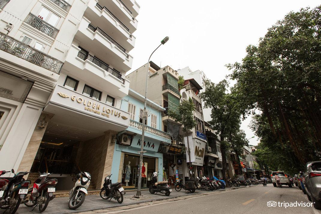 street--v17857608.jpg