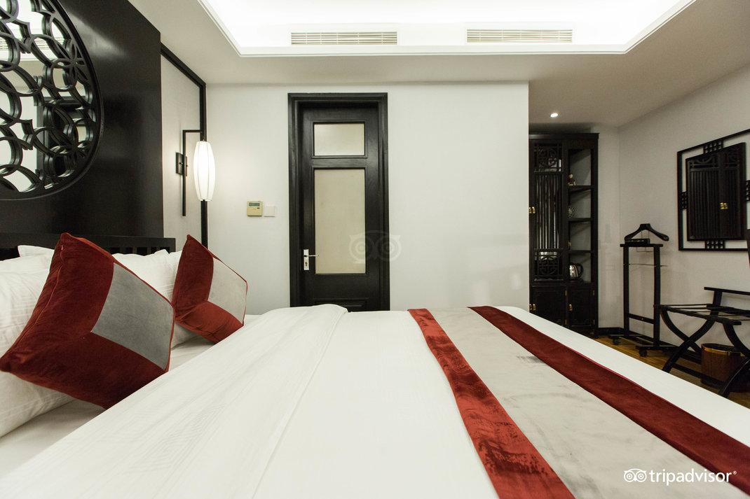 deluxe-double-room--v17857585.jpg