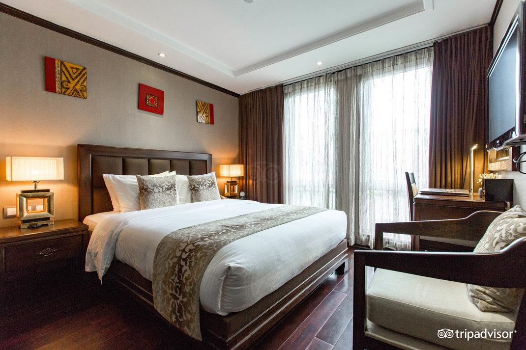 lotus-deluxe-double-room--v178585.jpg